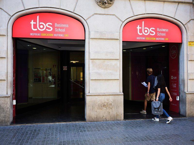 tbs barcelona bachelor management